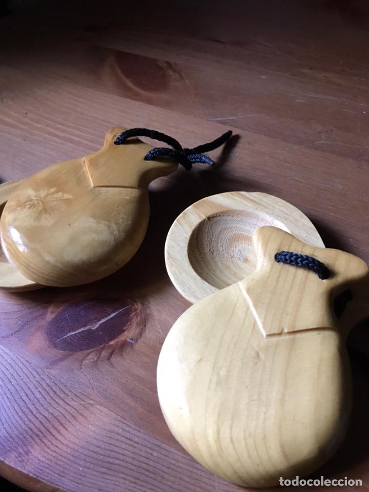 Instrumentos musicales: Un par de castañuelas de madera, - Foto 4 - 159632906