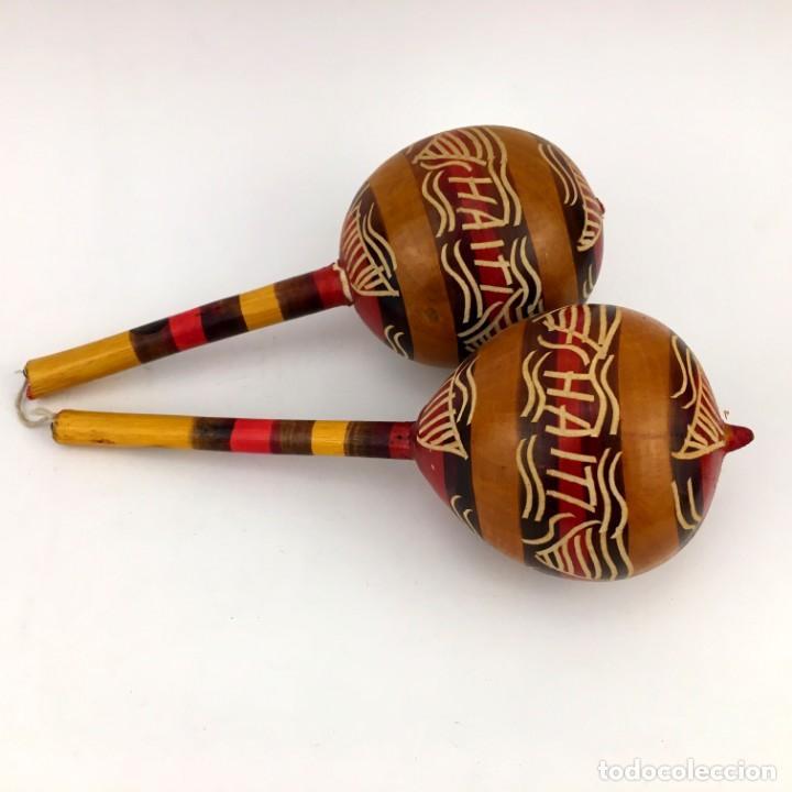 Instrumentos musicales: MARACAS PAREJA ORIGINAL HAITI AÑOS 60 HECHAS Y PINTADAS A MANO INSTRUMENTO IDIOFONO Y DE OSCILACION - Foto 3 - 160055710