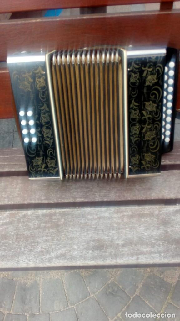 Instrumentos musicales: ACORDEON - MADE IN GERMANY EAST . - Foto 1 - 161204482