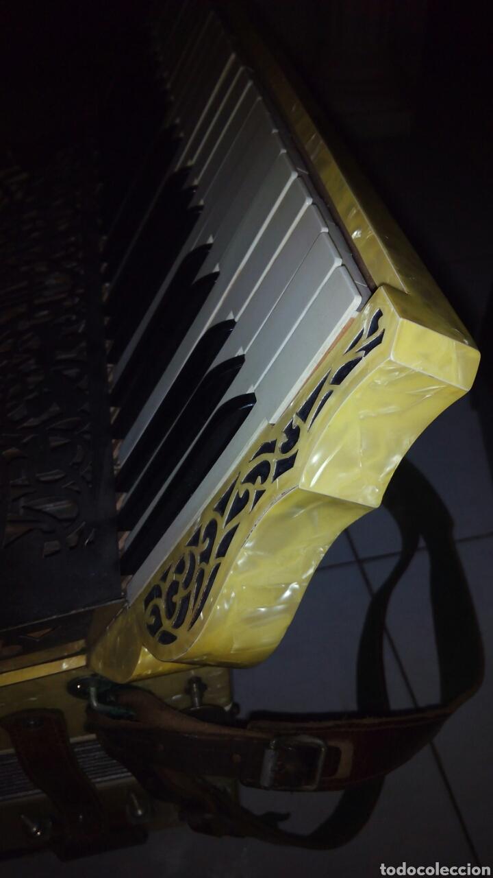Instrumentos musicales: Extraordinaria Acordeon, 1° Calidad ,Frances, muy buen sonido - Foto 10 - 202781991