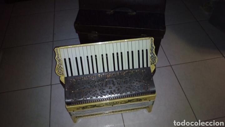 Instrumentos musicales: Extraordinaria Acordeon, 1° Calidad ,Frances, muy buen sonido - Foto 4 - 202781991