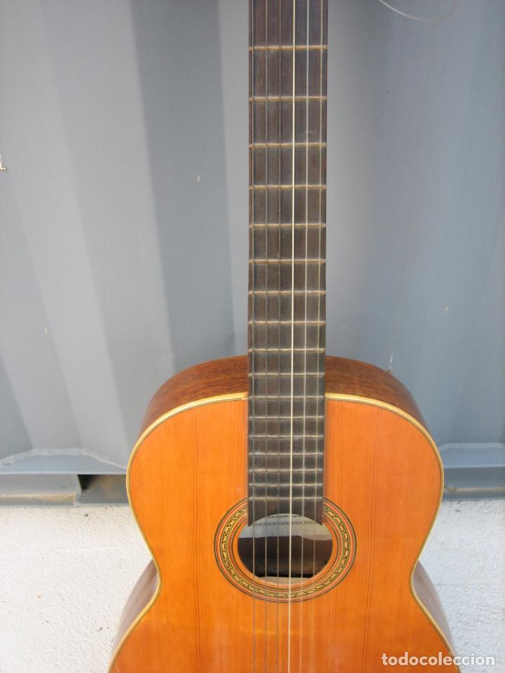 Instrumentos musicales: Antigua guitarra española. Constructor Juan Montero. Córdoba 1976 - Foto 4 - 162636242
