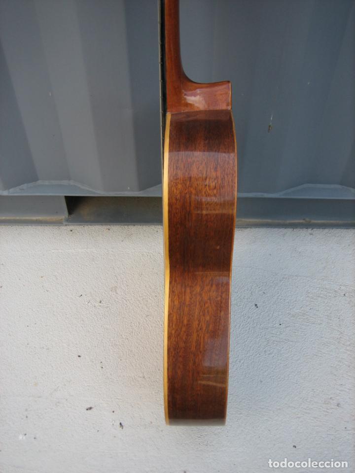 Instrumentos musicales: Antigua guitarra española. Constructor Juan Montero. Córdoba 1976 - Foto 11 - 162636242