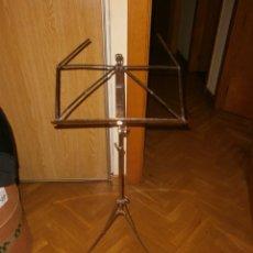 Instrumentos musicales: ATRIL METÁLICO PLEGABLE MÚSICA PARTITURAS WITTNER - GERMANY. Lote 163614374