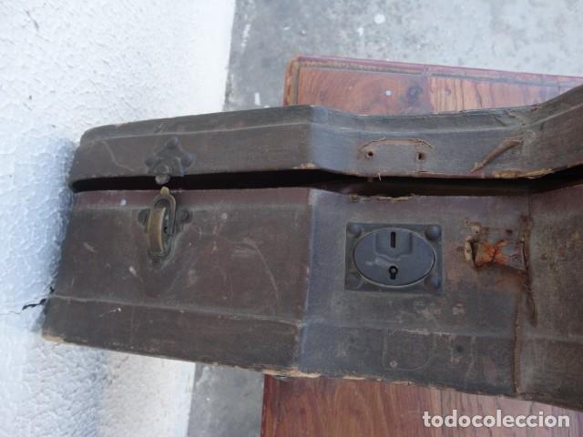 Instrumentos musicales: Bandurria Casa Gonzalez, calle carretas, 25 Madrid, desde 1868, con su funda - Para Restaurar- - Foto 8 - 163967438