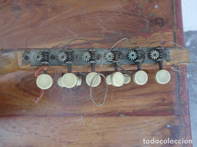 Instrumentos musicales: Bandurria Casa Gonzalez, calle carretas, 25 Madrid, desde 1868, con su funda - Para Restaurar- - Foto 23 - 163967438