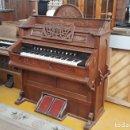 Instrumentos musicales: PIANOLA ANTIGUA ESTILO ALFONSINO PROCEDENTE DE ALEMANIA. MUEBLE PIANO ANTIGUO ESTILO ISABELINO.. Lote 164614910