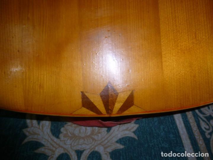 Instrumentos musicales: Antigua guitarra alemana - Foto 2 - 165348674