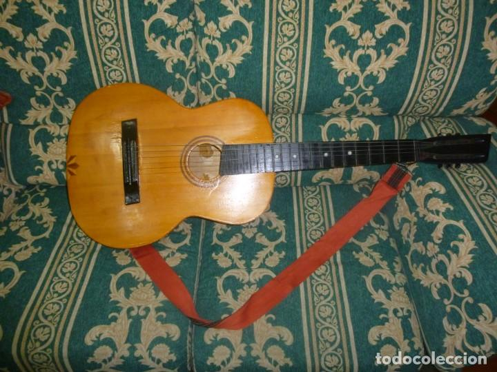 Instrumentos musicales: Antigua guitarra alemana - Foto 3 - 165348674
