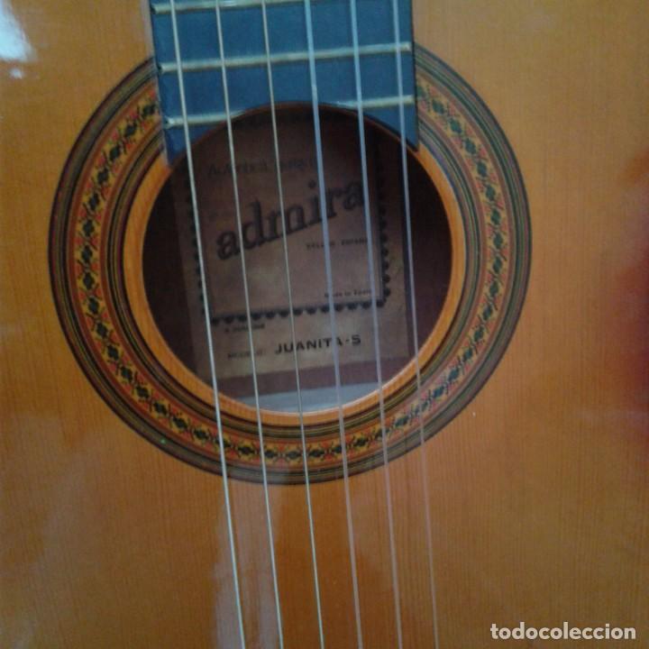 Instrumentos musicales: Antigua guitarra clásica admira Juanita - Foto 2 - 165695802