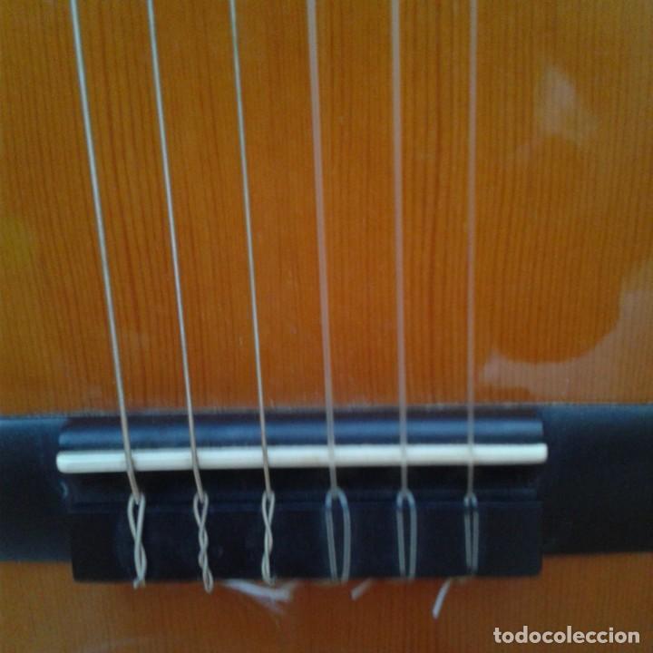 Instrumentos musicales: Antigua guitarra clásica admira Juanita - Foto 3 - 165695802