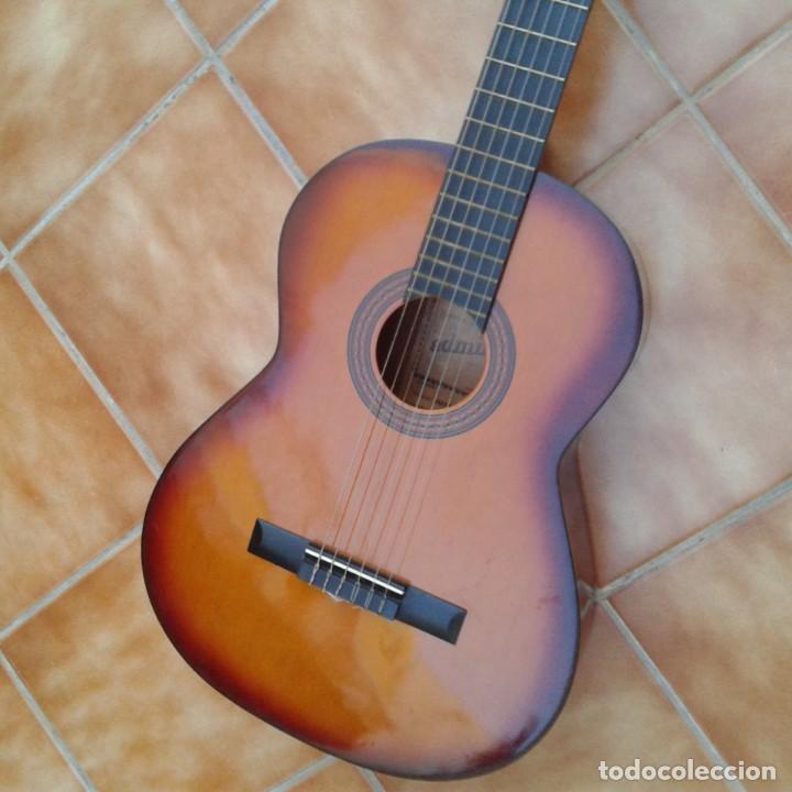 Instrumentos musicales: Antigua guitarra clásica admira Juanita - Foto 4 - 165695802
