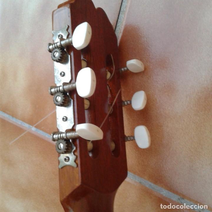 Instrumentos musicales: Antigua guitarra clásica admira Juanita - Foto 13 - 165695802