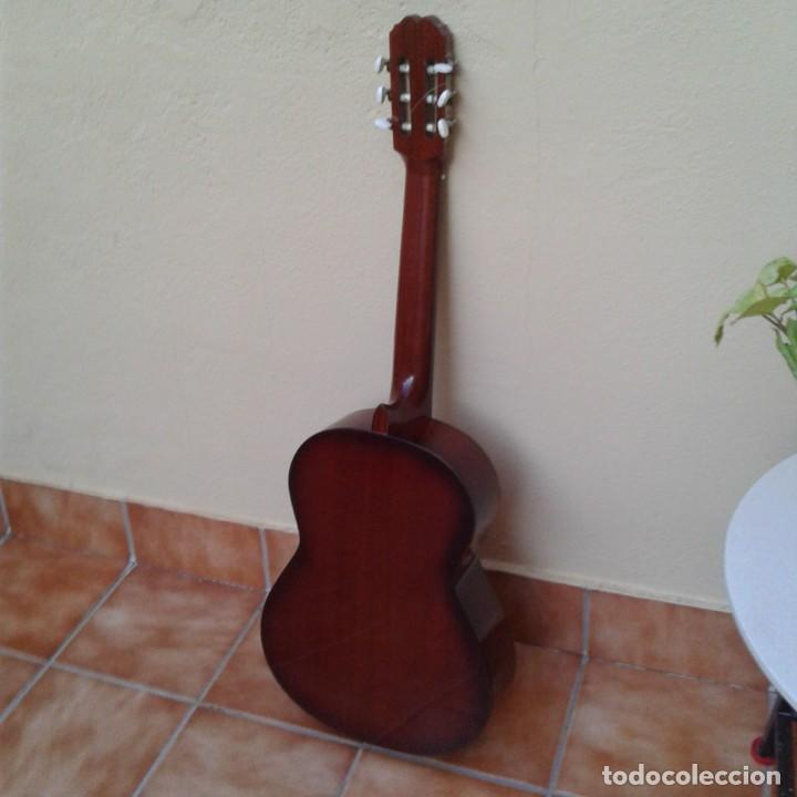Instrumentos musicales: Antigua guitarra clásica admira Juanita - Foto 14 - 165695802