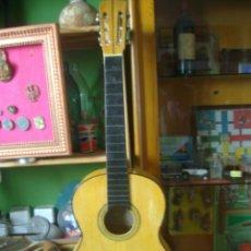 Instrumentos musicales: GUITARRA ESPAÑOLA ACUSTICA MUY ANTIGUA MIGUEL ANGEL SL 666. Lote 165928054