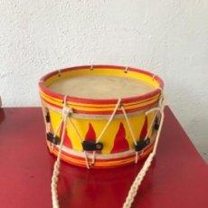Instrumentos musicales: TAMBOR DE NIÑO DE DIABLES - DEMONIOS CORREFOC EN PERFECTO ESTADO. . Lote 166143530