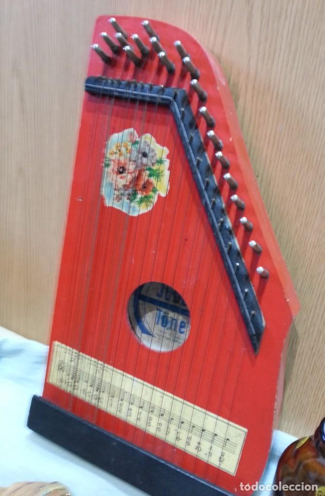 Instrumentos musicales: Cítara muy vieja. Instrumento musical centro-europeo. Marca jubel. - Foto 4 - 166417546