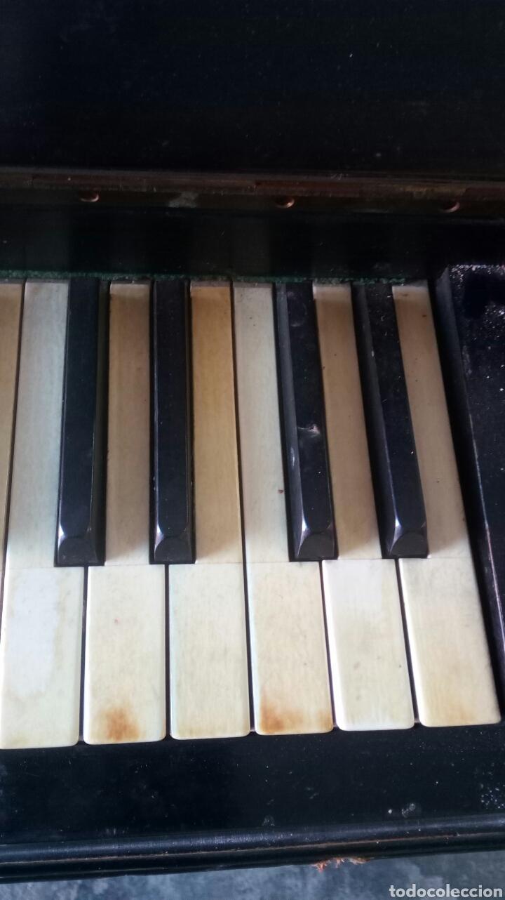 Instrumentos musicales: Antiguo Piano de Pared Modernista Siglo XIX / R.Maristany Modernist Recogida a cargo del Comprador - Foto 6 - 166921896