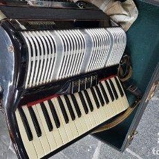 Instrumentos Musicais: ACORDEÓN ITALIANO BALEANI ALTIMORO, CASTELFIDARDO. 37 TECLAS (4 REGISTROS) Y 80 BAJOS (2 REGISTROS).. Lote 167833544