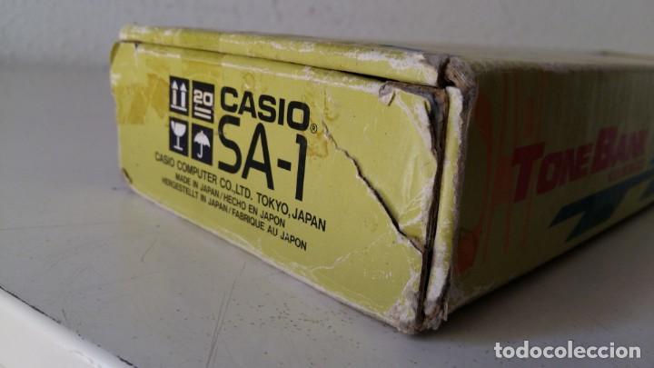 Instrumentos musicales: CASIO SA-1 TONE BANK KEYBOARD 100 SOUND TECLADO ELECTRONICO CON CAJA ORIGINAL Y FUNCIONANDO - Foto 4 - 167877800