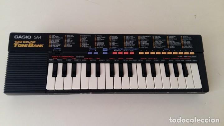 Instrumentos musicales: CASIO SA-1 TONE BANK KEYBOARD 100 SOUND TECLADO ELECTRONICO CON CAJA ORIGINAL Y FUNCIONANDO - Foto 7 - 167877800