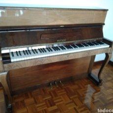 Instrumentos musicales: PIANO PETROF. Lote 168465674
