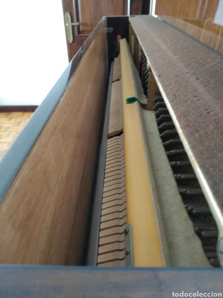 Instrumentos musicales: Piano Petrof - Foto 3 - 168465674