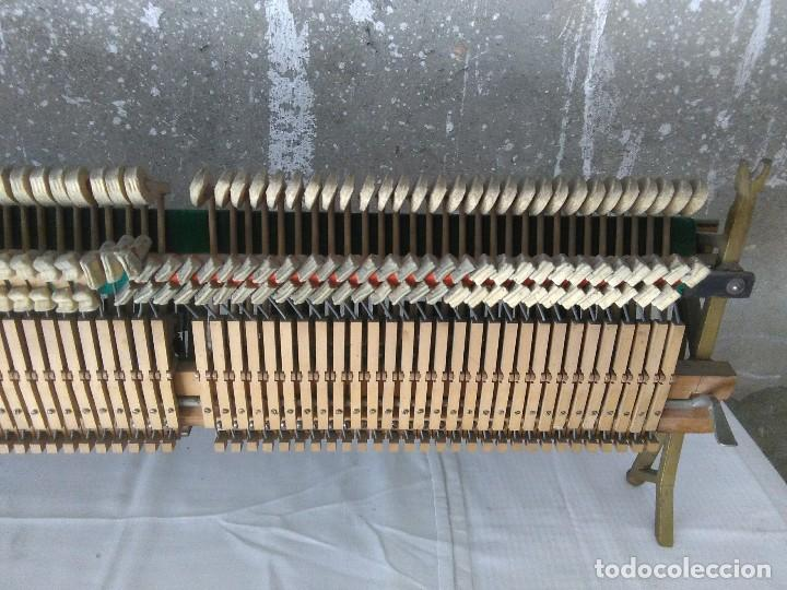 Instrumentos musicales: antiguo puente de piano louis renner stuttgart - Foto 4 - 169576680