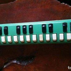 Instrumentos musicales: HOHNER MELODICA SOPRANO DE METAL Y PLASTICO - ALEMANA FUNCIONANDO. Lote 169626328
