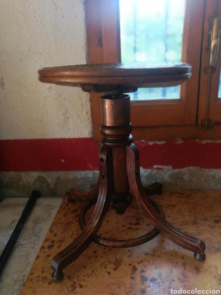Instrumentos musicales: Banqueta de piano antigua. - Foto 2 - 169934334