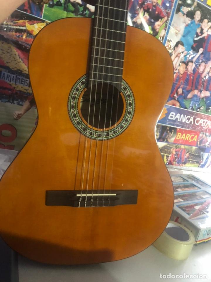 Instrumentos musicales: Antigua guitarra española sonora nueva en su funda original - Foto 5 - 170548089