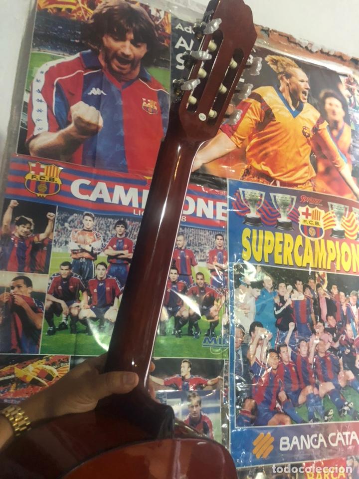 Instrumentos musicales: Antigua guitarra española sonora nueva en su funda original - Foto 7 - 170548089