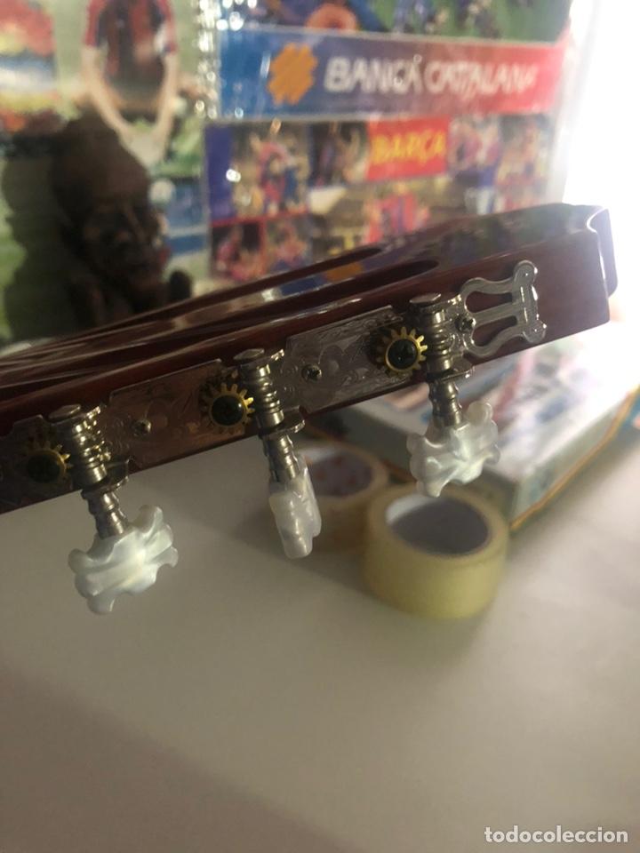 Instrumentos musicales: Antigua guitarra española sonora nueva en su funda original - Foto 8 - 170548089