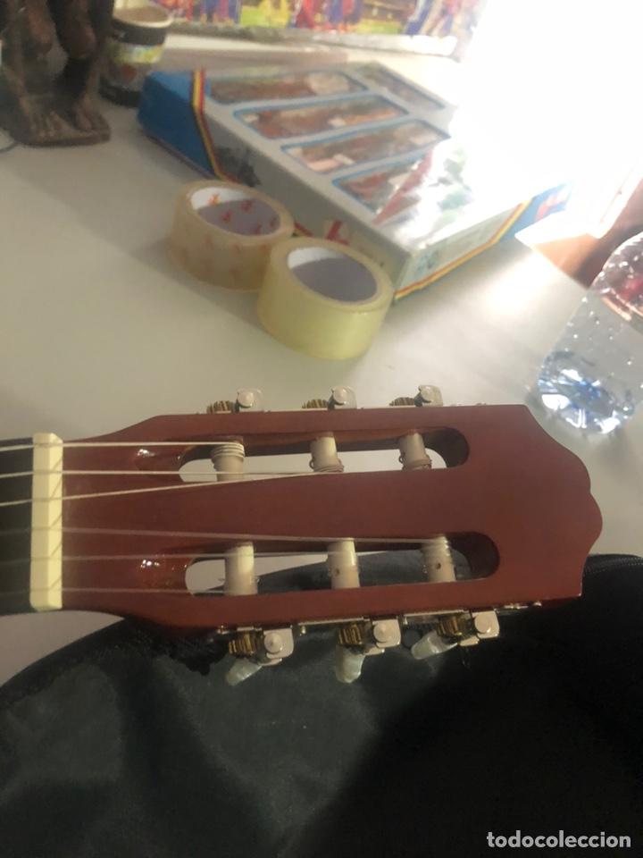 Instrumentos musicales: Antigua guitarra española sonora nueva en su funda original - Foto 9 - 170548089