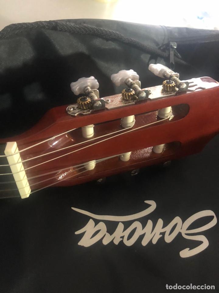 Instrumentos musicales: Antigua guitarra española sonora nueva en su funda original - Foto 10 - 170548089