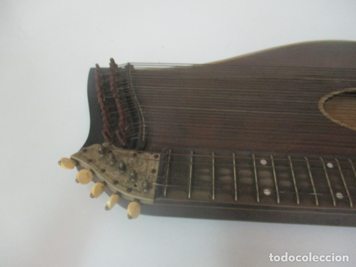 Instrumentos musicales: Antigua Citara - Madera Jacarandá, Latón y Hueso - Accesorios, Partituras y Caja - S. XIX - Foto 7 - 171480457