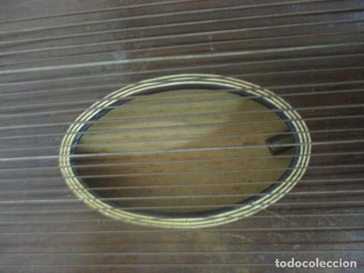 Instrumentos musicales: Antigua Citara - Madera Jacarandá, Latón y Hueso - Accesorios, Partituras y Caja - S. XIX - Foto 10 - 171480457