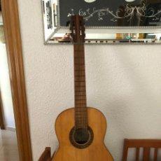 Instrumentos musicales: MAGNÍFICA GUITARRA DE MARIANO BIU. CONSTRUCCIÓN DE RICARDO SANCHIS.1950. Lote 172704614