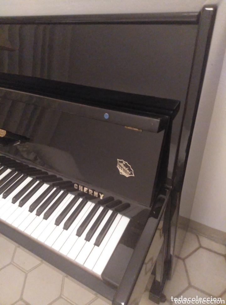 Instrumentos musicales: Piano vertical de pared Cherny lacado negro 1985, muy buen estado. Con sordina - Foto 4 - 172862078