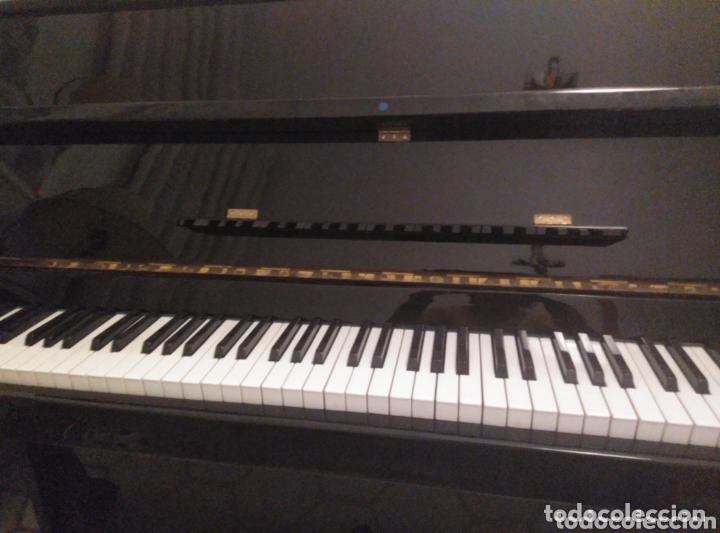 Instrumentos musicales: Piano vertical de pared Cherny lacado negro 1985, muy buen estado. Con sordina - Foto 5 - 172862078