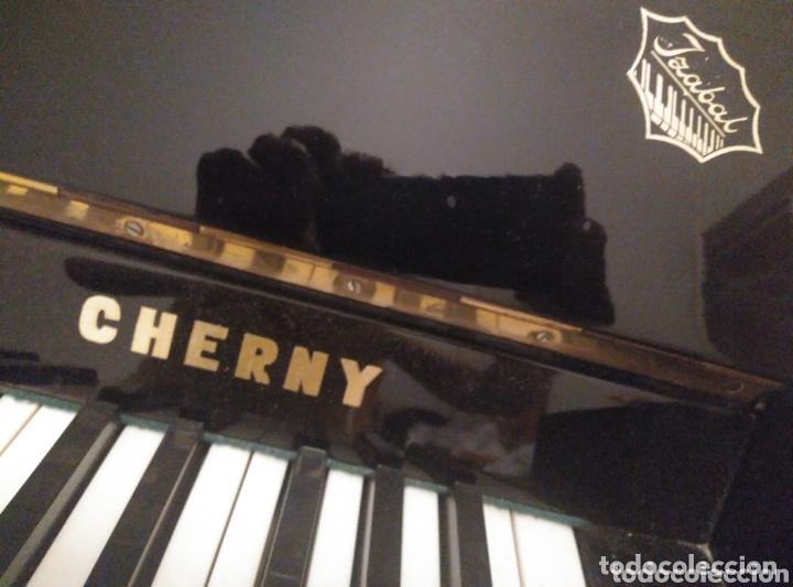 Instrumentos musicales: Piano vertical de pared Cherny lacado negro 1985, muy buen estado. Con sordina - Foto 6 - 172862078