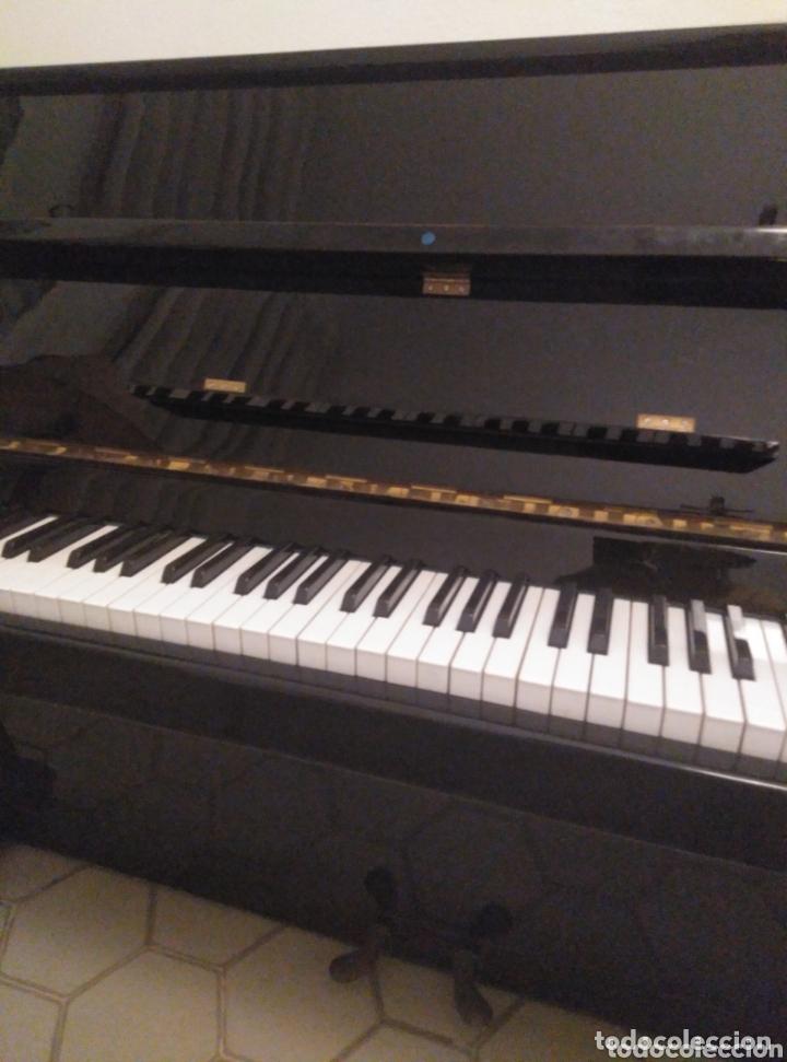 PIANO VERTICAL DE PARED CHERNY LACADO NEGRO 1985, MUY BUEN ESTADO. CON SORDINA (Música - Instrumentos Musicales - Pianos Antiguos)