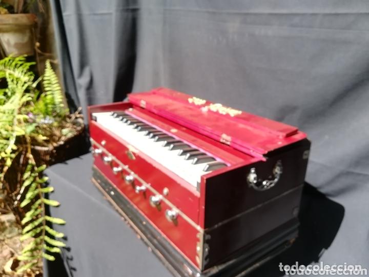 Instrumentos musicales: Instrumento Armonio de fuelle manual - Foto 2 - 172909494