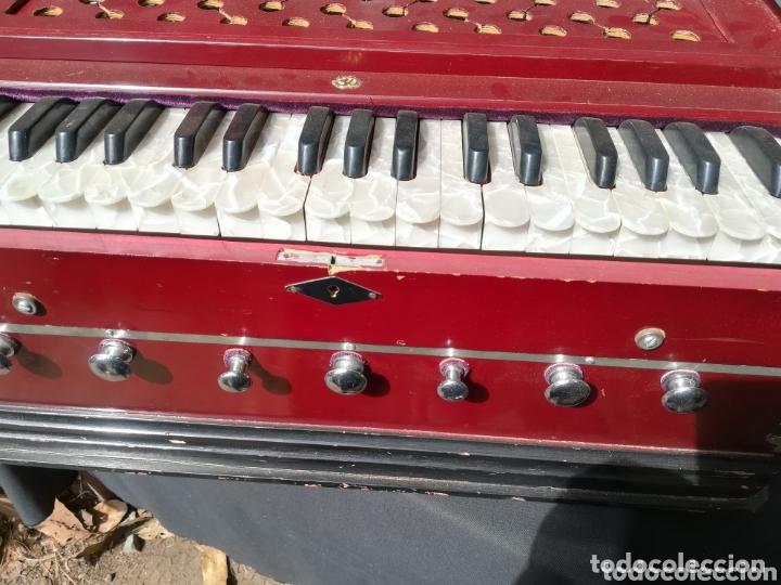 Instrumentos musicales: Instrumento Armonio de fuelle manual - Foto 7 - 172909494