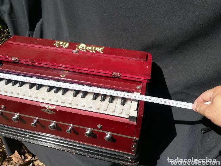 Instrumentos musicales: Instrumento Armonio de fuelle manual - Foto 10 - 172909494