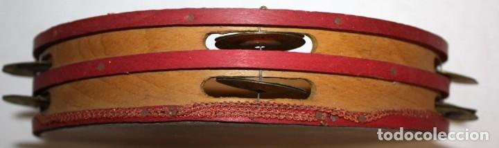 Instrumentos musicales: PANDERETA CON MOTIVOS FLORALES PINTADOS SOBRE CABRITILLA. PRINCIPIOS SIGLO XX - Foto 4 - 174368122