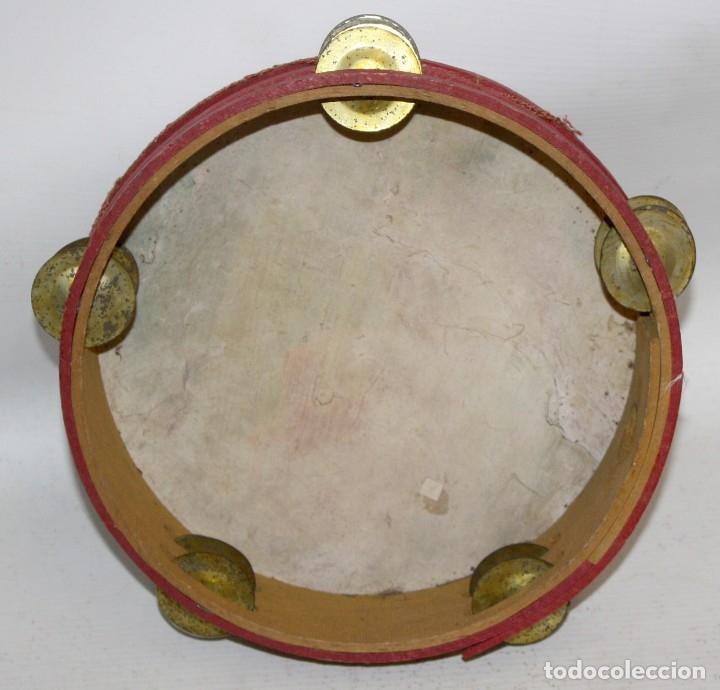 Instrumentos musicales: PANDERETA CON MOTIVOS FLORALES PINTADOS SOBRE CABRITILLA. PRINCIPIOS SIGLO XX - Foto 6 - 174368122