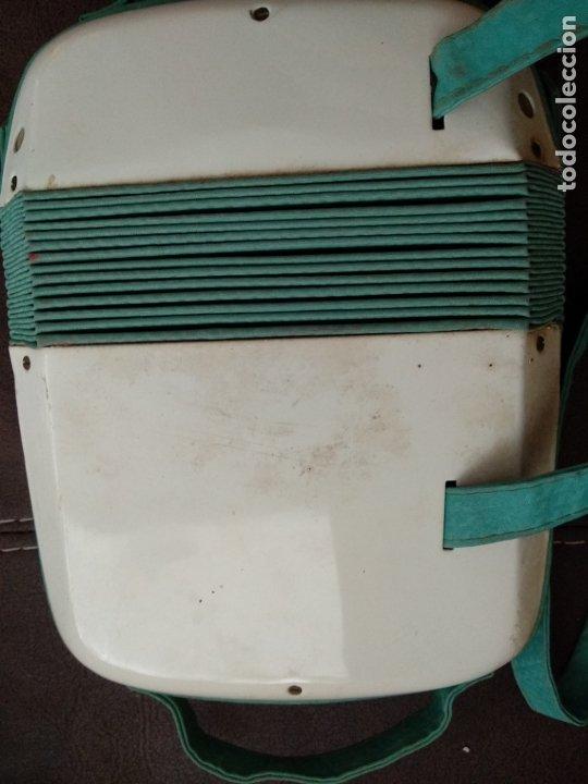 Instrumentos musicales: Antiguo juguete acordeon de la marca Hero uc 099 - Foto 3 - 175360194
