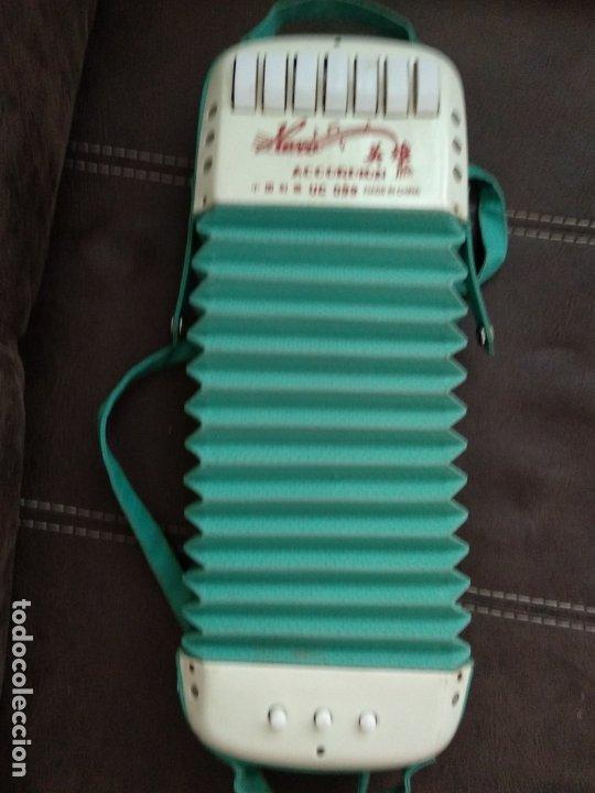 Instrumentos musicales: Antiguo juguete acordeon de la marca Hero uc 099 - Foto 4 - 175360194