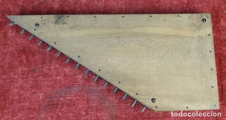 Instrumentos musicales: ROYAL CITARINA. CÍTARA. 15 CUERDAS. DIATÓNICA. CAJA DE MADERA. CIRCA 1950. - Foto 6 - 176072174